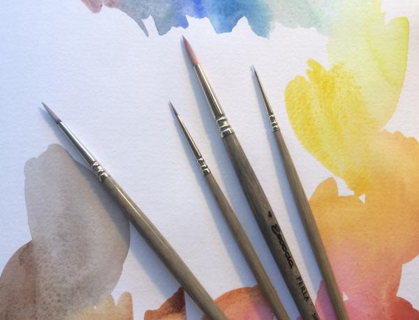 Cum alegi pensulele sintetice potrivite pentru tehnica watercolor