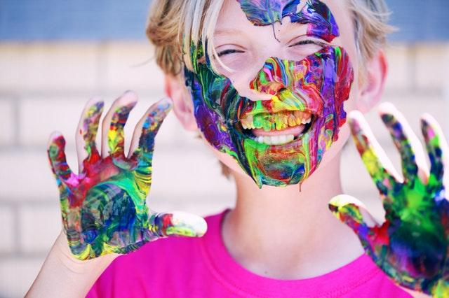 Jocuri de interior pentru copii: activitati distractive pentru cei mici